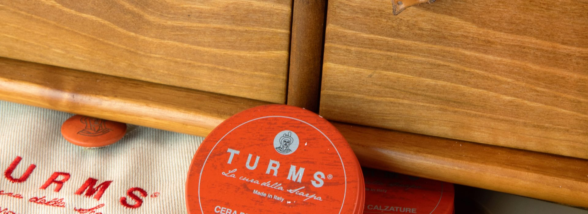turms_complete shoe care kit in mobiletto __light brown__2